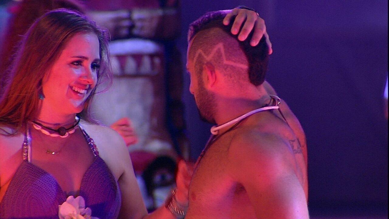 Kaysar garante a Patrícia: 'Quando eu for Líder, vou tomar banho sem roupa'