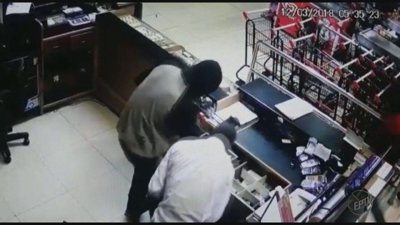 Polícia prende 4 homens suspeitos de roubo a supermercado em Ituverava, SP