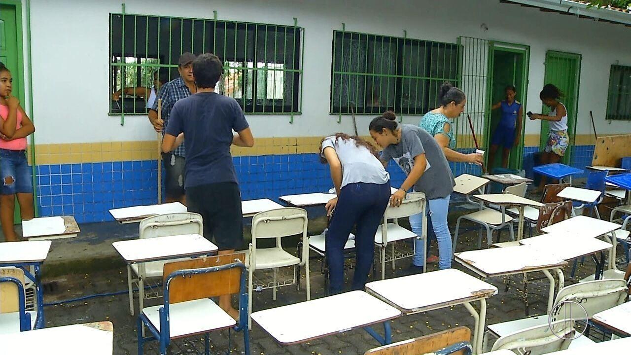 Pais e alunos fazem multirão de limpeza em escola municipal de Cabo Frio, no RJ