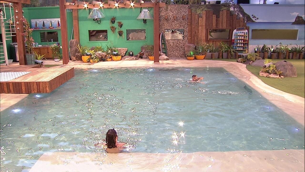 Diego e Kaysar nadam juntos