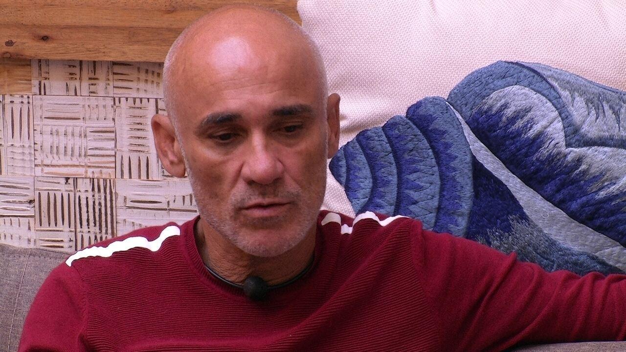 Ayrton afirma: 'Minhas indicações são Viegas, Diego e Caruso'