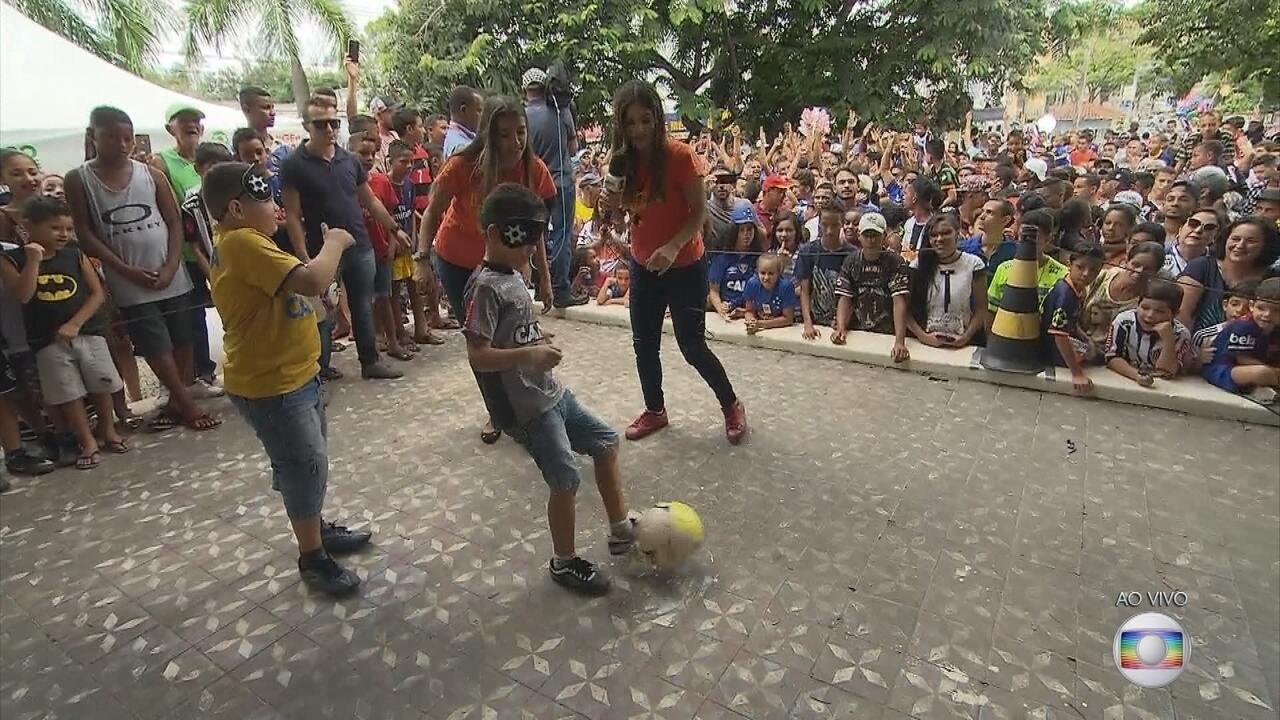 GE na Praça: torcedores mirins de Atlético-MG e Cruzeiro participam do 'futebol cego'