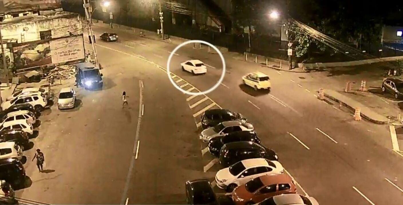Novas imagens mostram que carro em que estava Marielle Franco teria sido perseguido