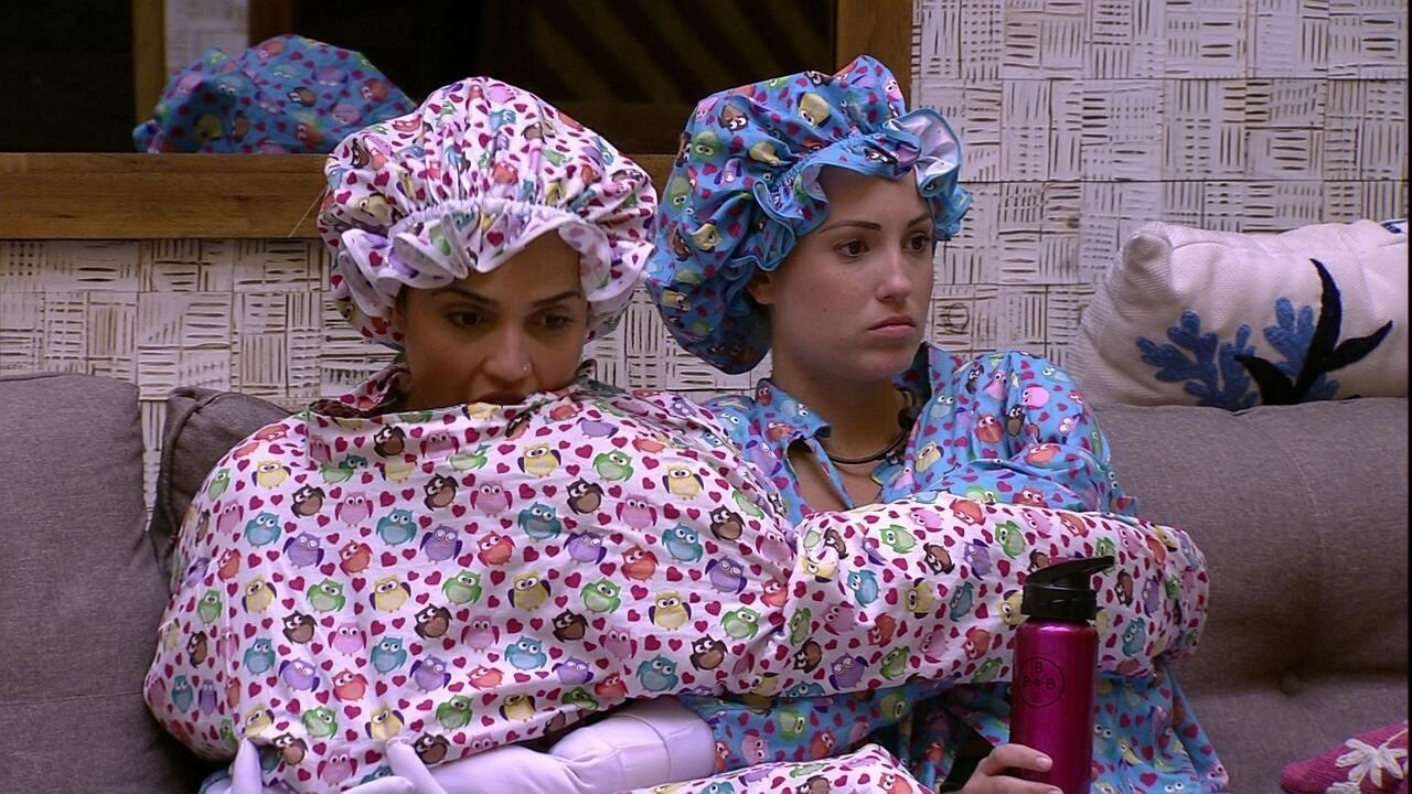 Paula afirma para Jéssica: 'Vou rezar para a gente não ir para o Paredão'