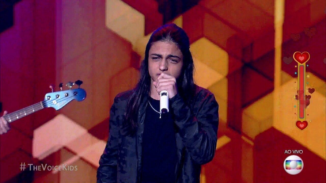 Neto Junqueira se apresenta cantando sucesso de Nando Reis