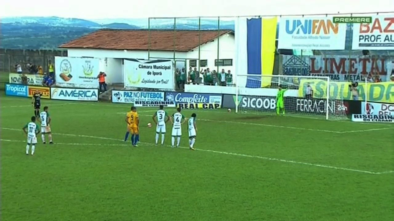 Veja os gols de Iporá 4 x 1 Goiás