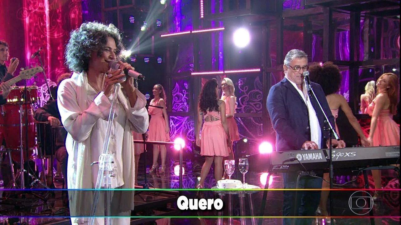 Simone e Ivan Lins cantam juntos 'Vitoriosa'