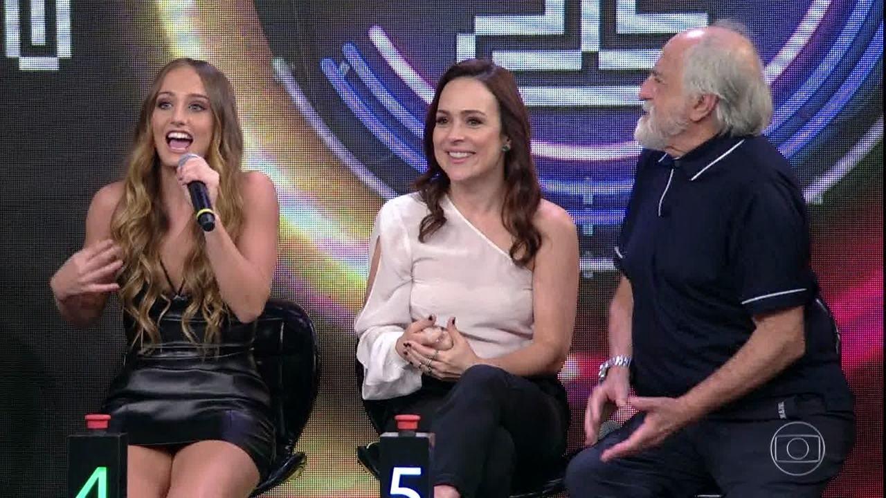 Bruna Griphao, Gabriela Duarte e Ary Fontoura acertam a campainha número cinco e MC Kekel vai ao palco