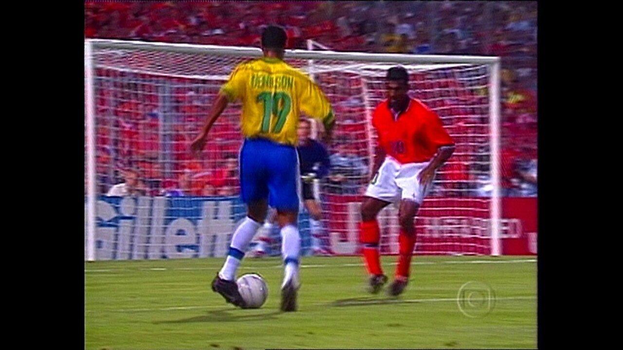 Copa 98: Melhores momentos de Brasil 1 (4) x (1) 1 Holanda pela semifinal da Copa do Mundo