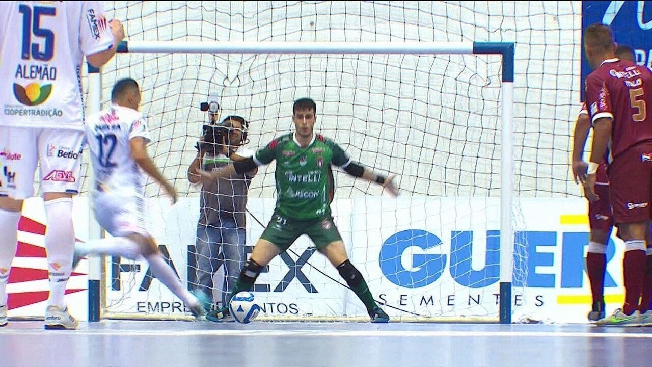 63060a59b21e7 Os gols de Pato 3 x 3 Paraíso pela Liga Nacional de Futsal