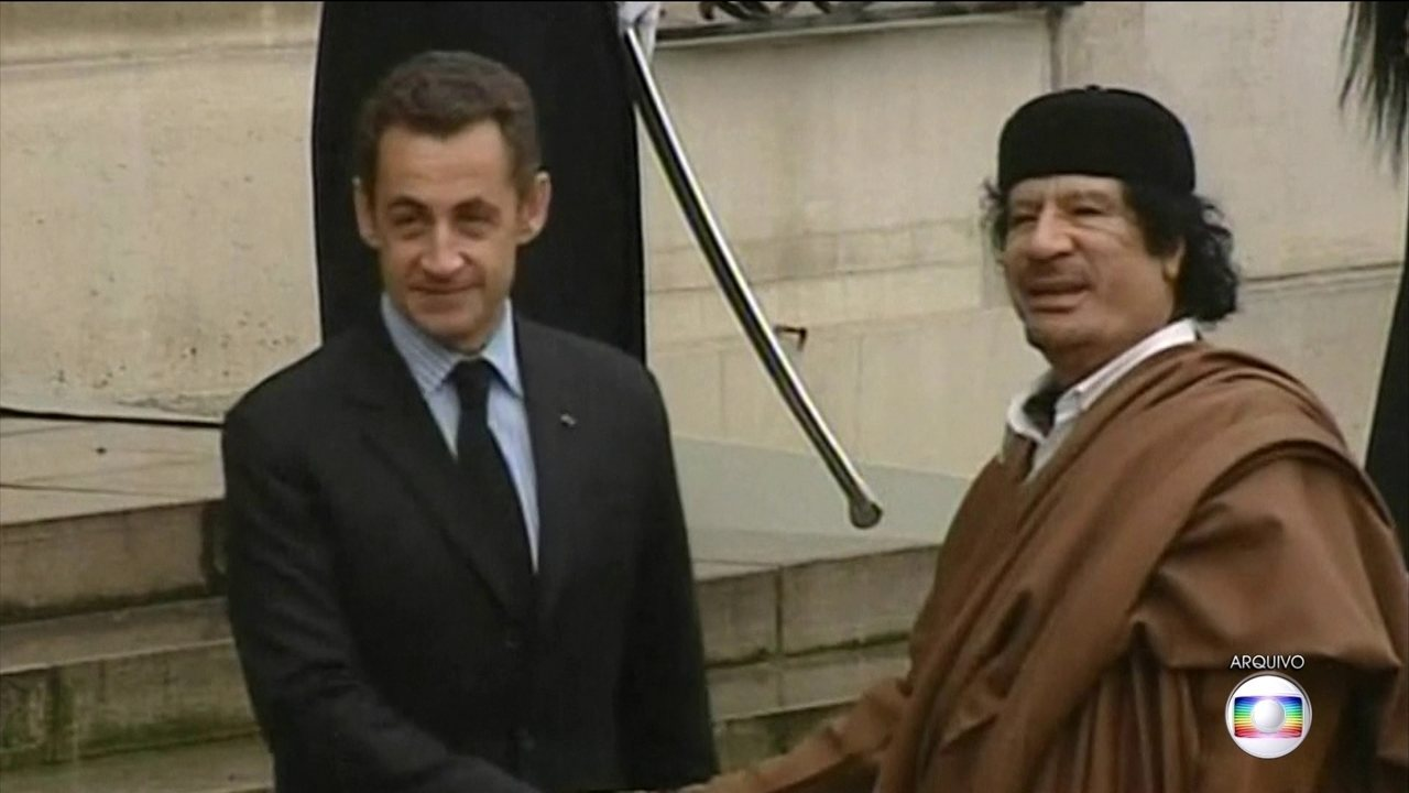 Sarkozy é detido para depor sobre denúncia de financiamento ilegal para campanha