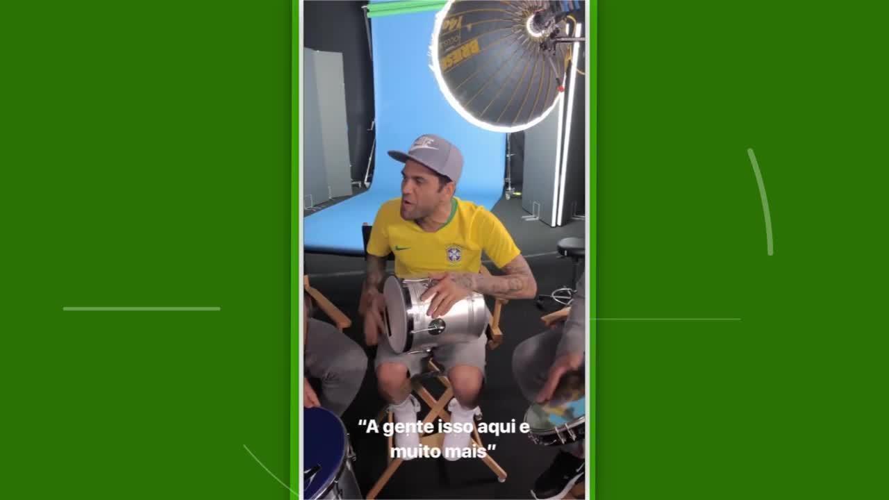Daniel Alves posta vídeo com nova camisa da seleção brasileira ... d5a96f09be5ee