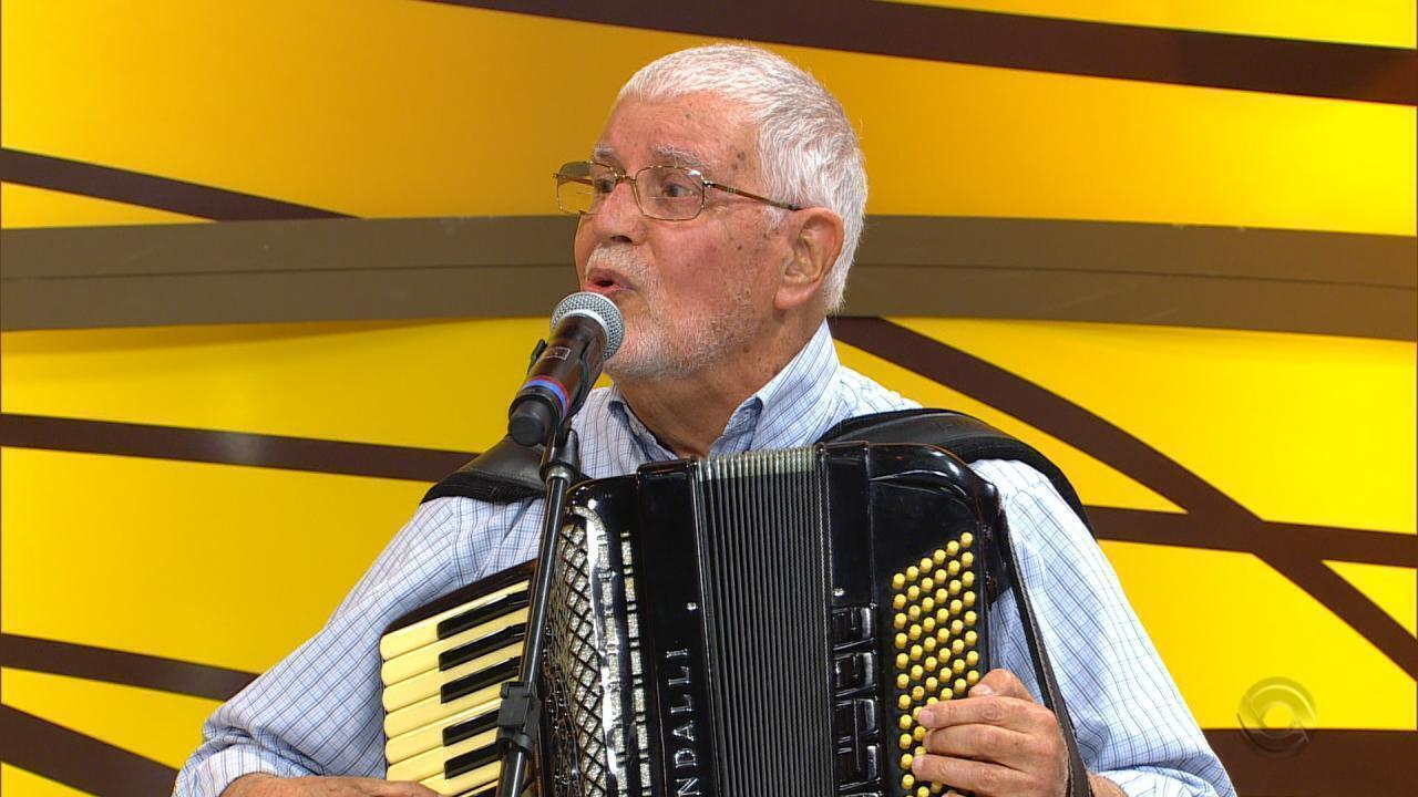 Maestro Tasso Bangel apresenta DVD no 'Galpão Crioulo' (bloco 1)