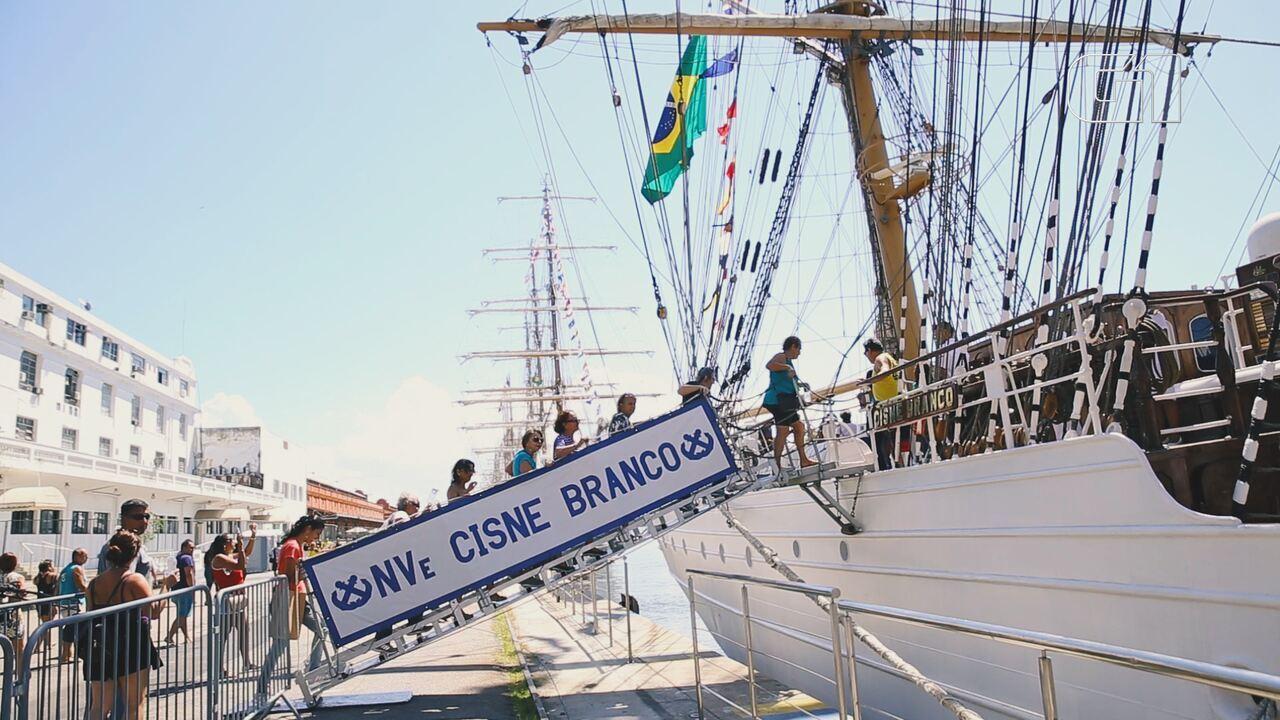 Navio veleiro da Marinha está aberto à visitação no Píer Mauá