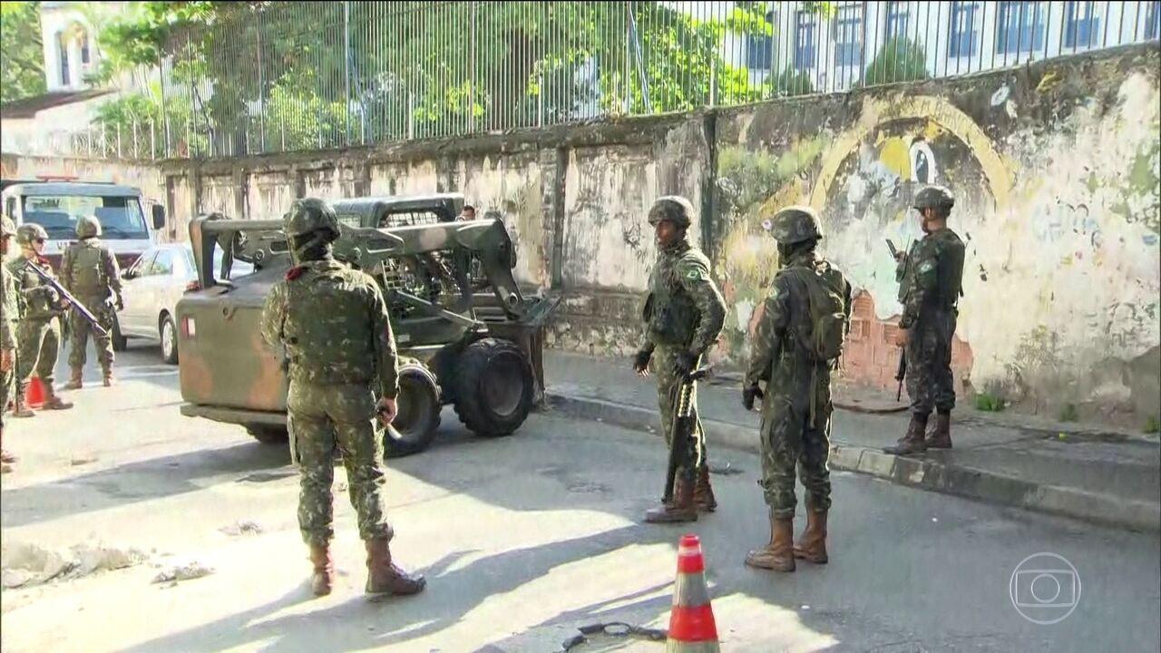 Exército reforça segurança em ruas do Rio 40 dias após início da intervenção