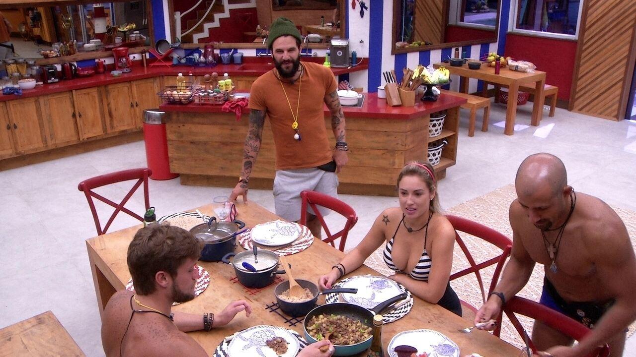 Jéssica elogia almoço de Paula: 'A top das galáxias'