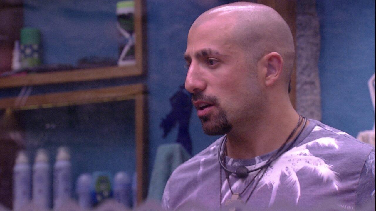 Kaysar aconselha Gleici: 'Seja mais forte e não leve para o lado pessoal'