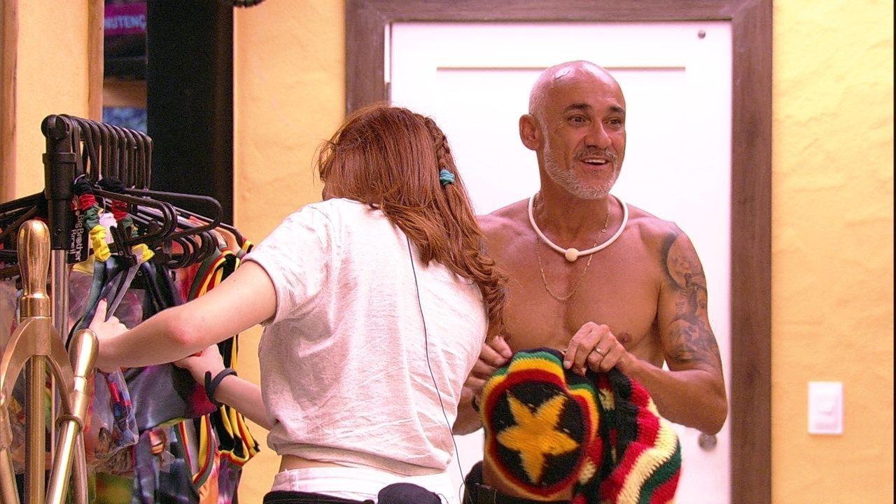 Ana Clara vê figurino da festa e comemora: 'É reggae!'