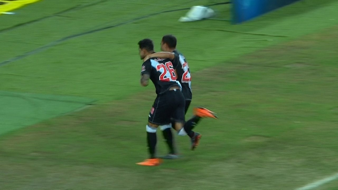Gol do Vasco! Pikachu dá drible desconcertante e Giovanni Augusto marca aos 26 do 1º tempo