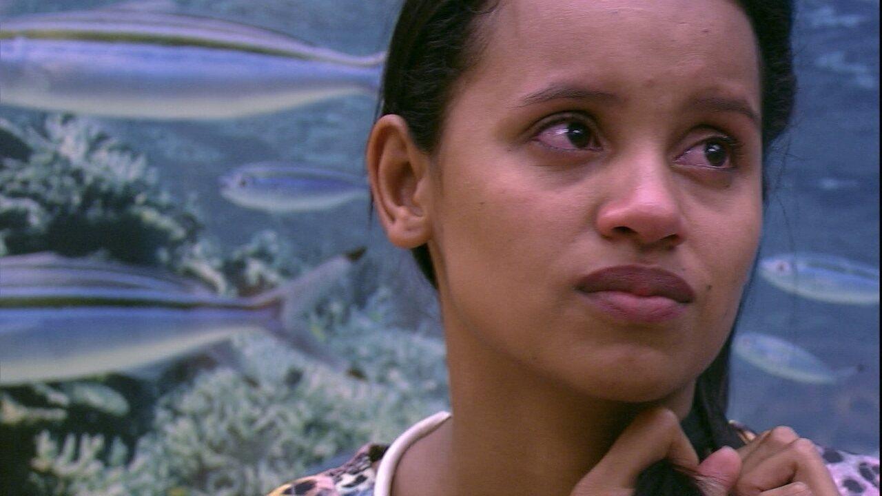 Ayrton tenta acalmar Ana Clara: 'Às vezes não é má vontade, é estar focada'