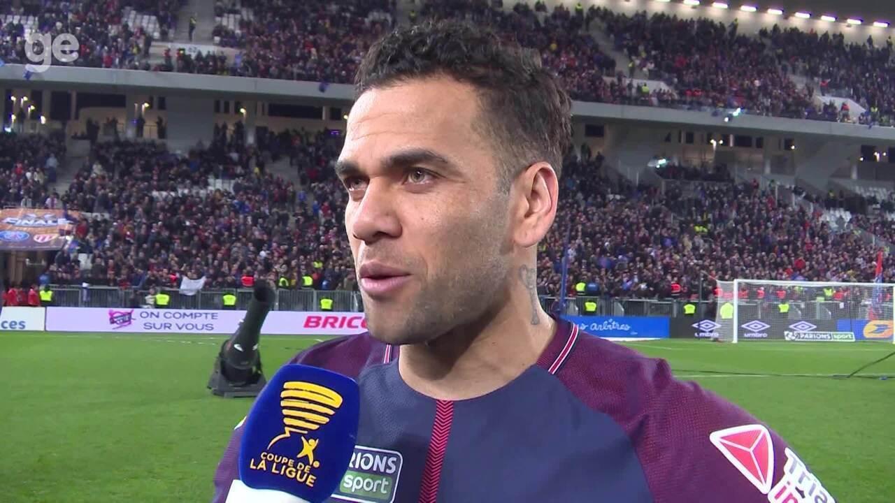 Daniel Alves fala sobre ser o jogador com mais títulos da atualidade