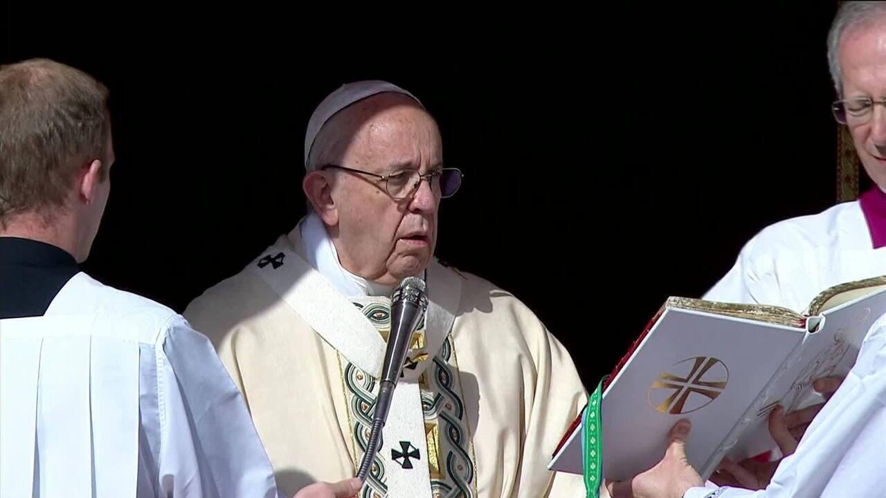 Papa pede pela paz no mundo no domingo de Páscoa
