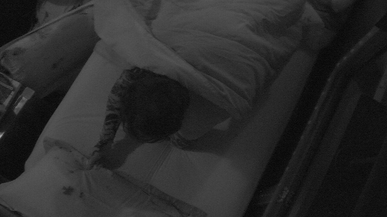 Wagner deixa cama onde estava com Gleici