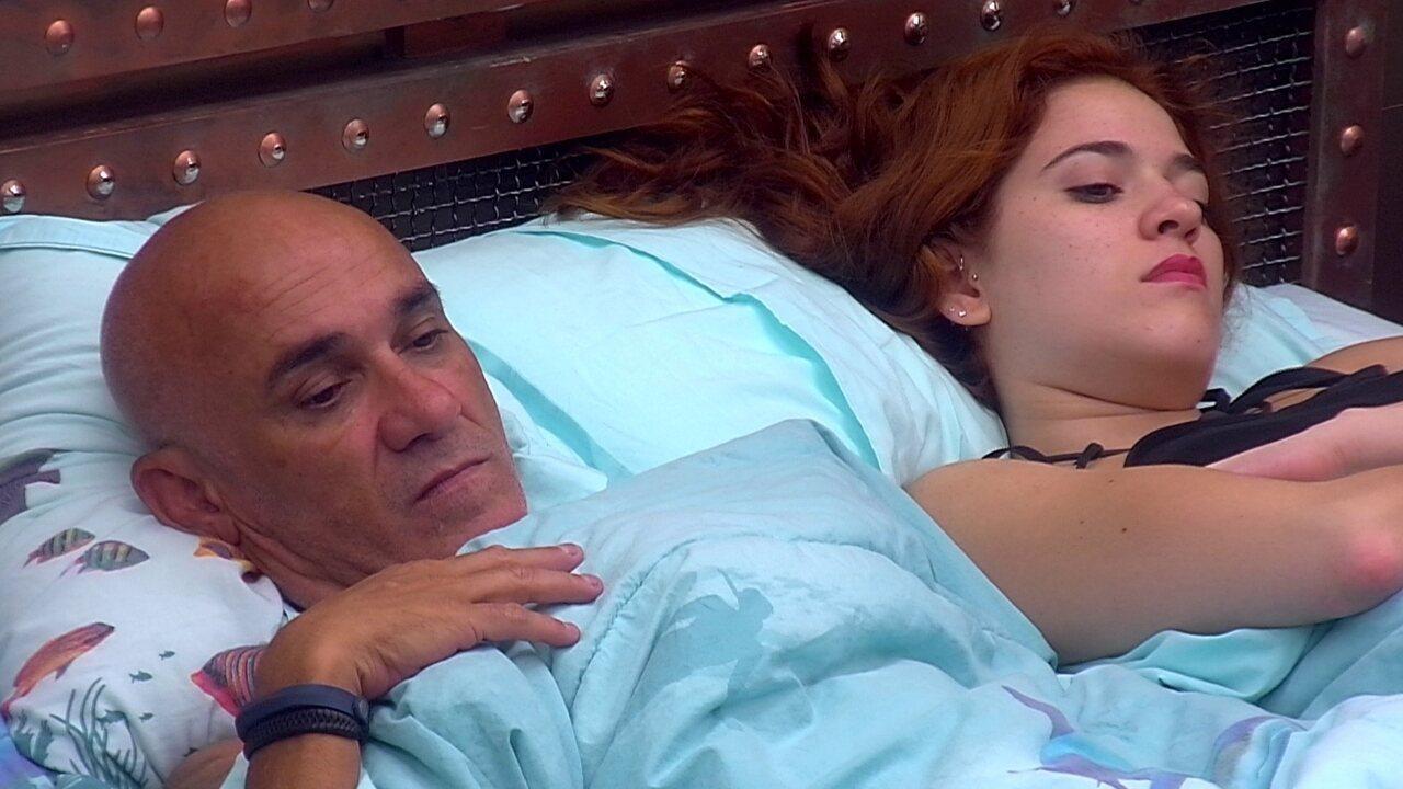 Ana Clara e Ayrton ficam em silêncio no Quarto Submarino