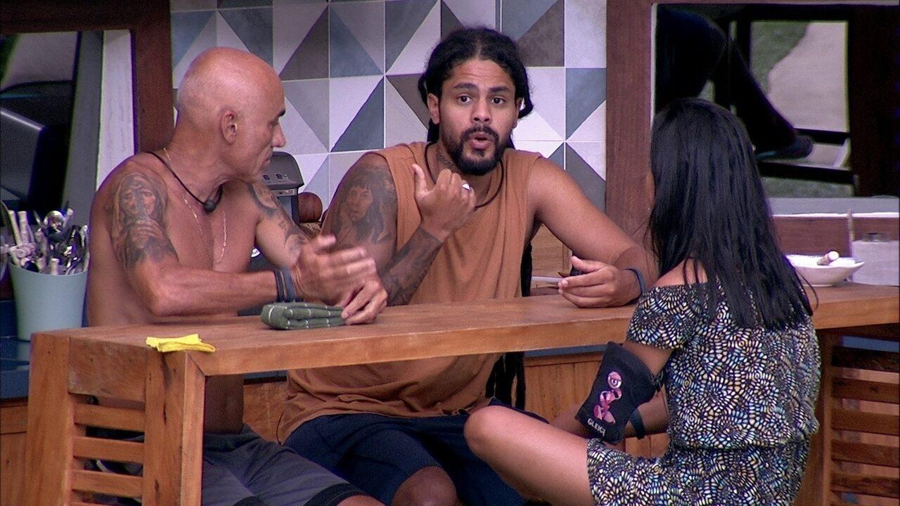 Viegas compartilha com brothers: 'Parece que eu não tenho uma vida lá fora'