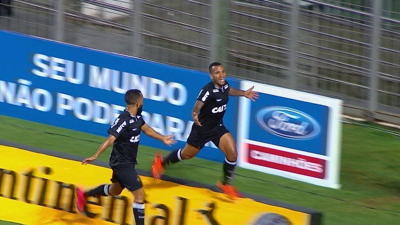 Otero marca o terceiro gol do Galo na vitória por 4 a 0 sobre o Ferroviário