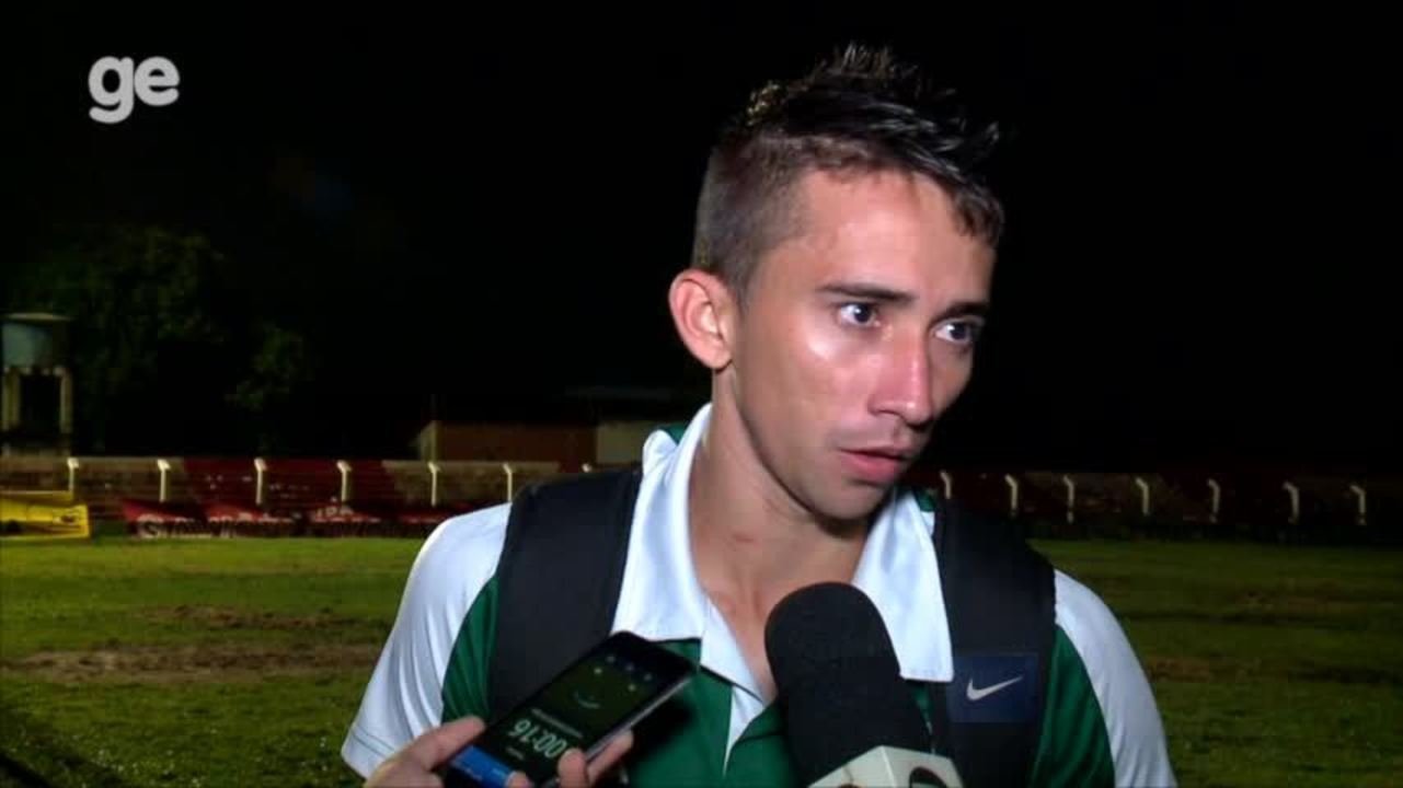 """Esquerdinha detona gramado da Arena Ytacoatiara: """"É uma vergonha para o Piauí"""""""