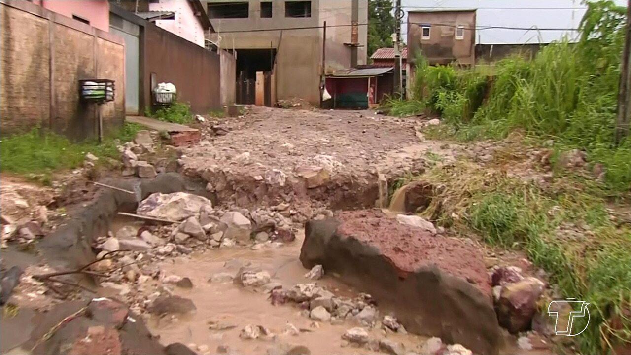 Moradores ainda contabilizam prejuízos por conta da chuva em Santarém