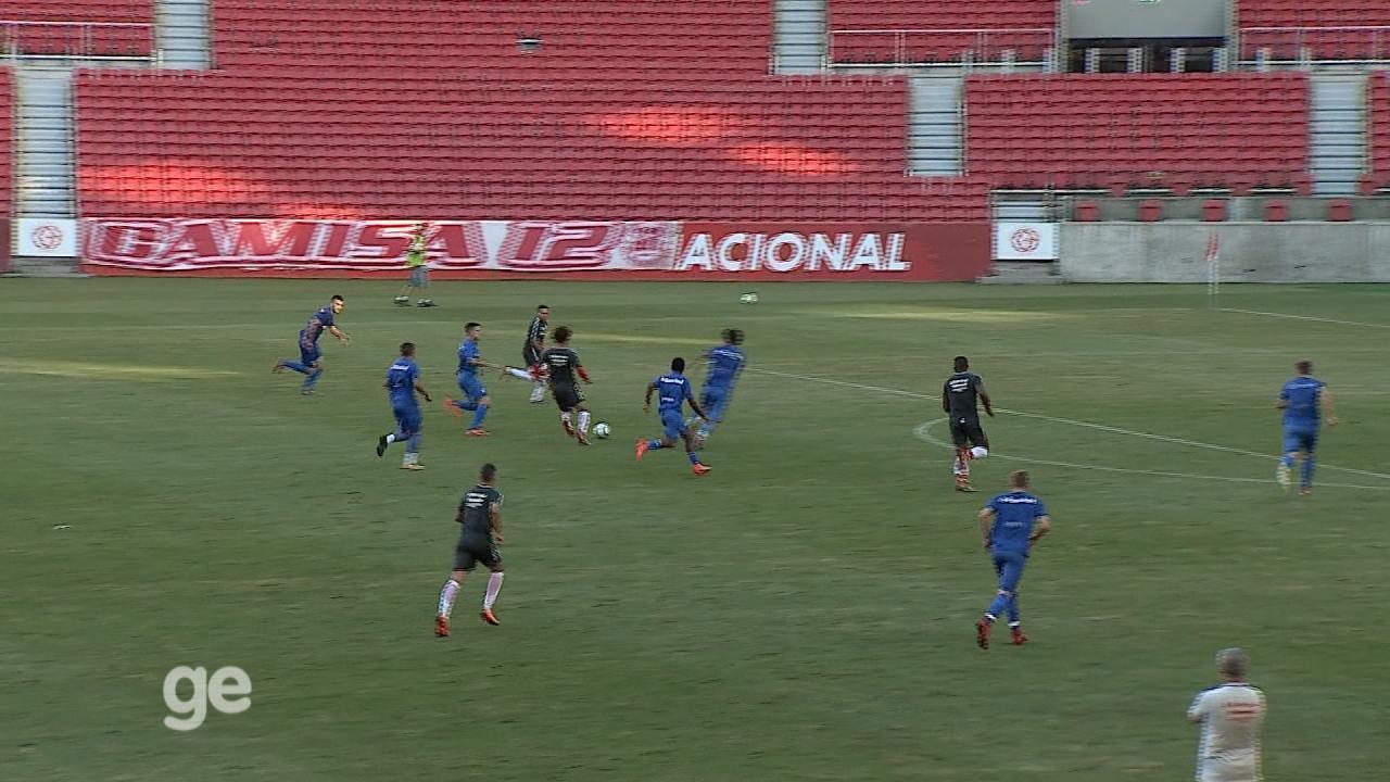 Inter desperdiça chances em jogo-treino