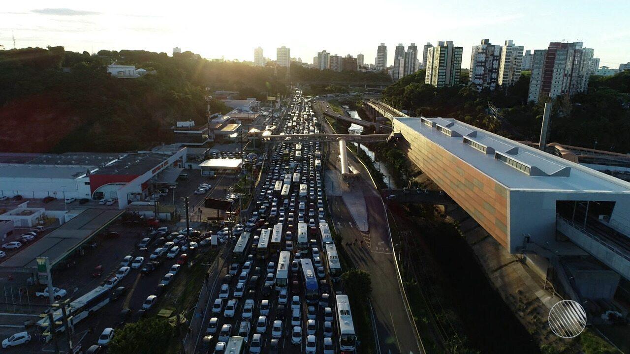 Manifestantes fazem ato em Salvador e no interior contra a prisão do ex-presidente Lula