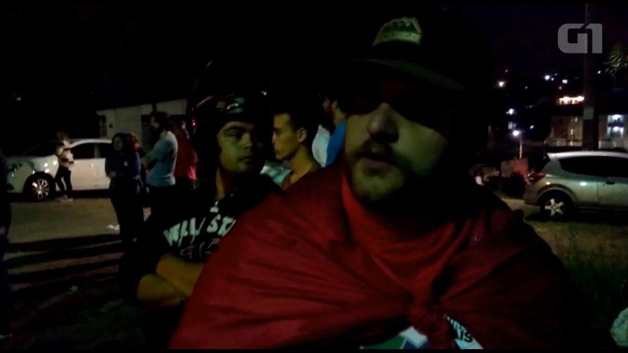 Manifestante diz que não havia confusão quando a polícia usou bombas de efeito moral