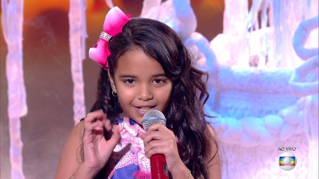 Mariah Yohana cantou 'Piuí Abacaxi' na final do The Voice Kids
