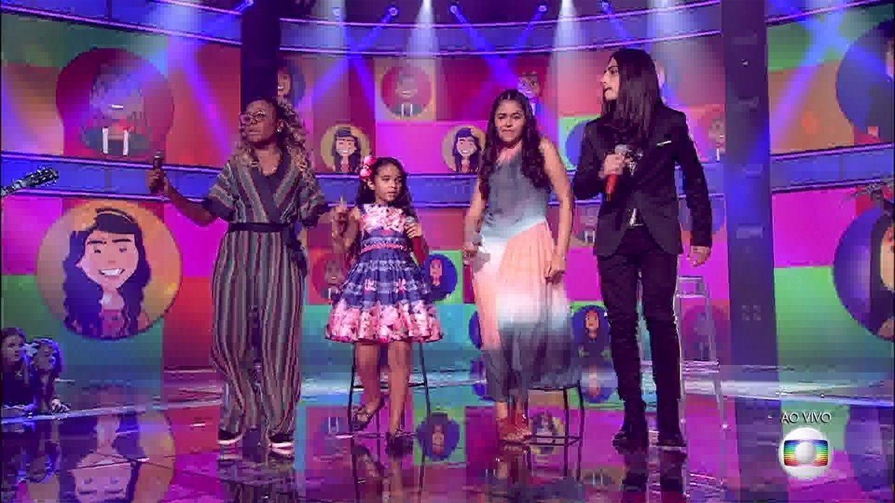 Ao lado dos demais finalistas, Eduarda Brasil, Mariah Yohana e Neto Junqueira, Talita Cipriano canta 'Sonífera Ilha'