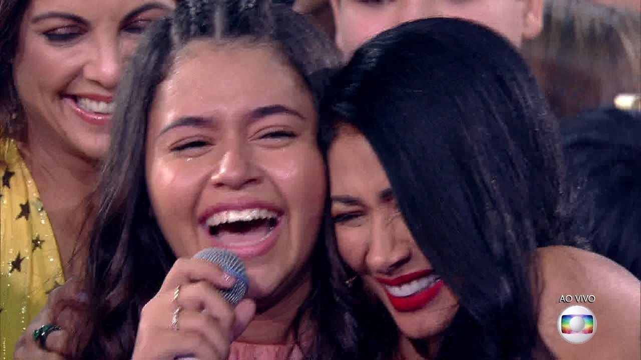 Eduarda Brasil é a campeã do The Voice Kids 2018
