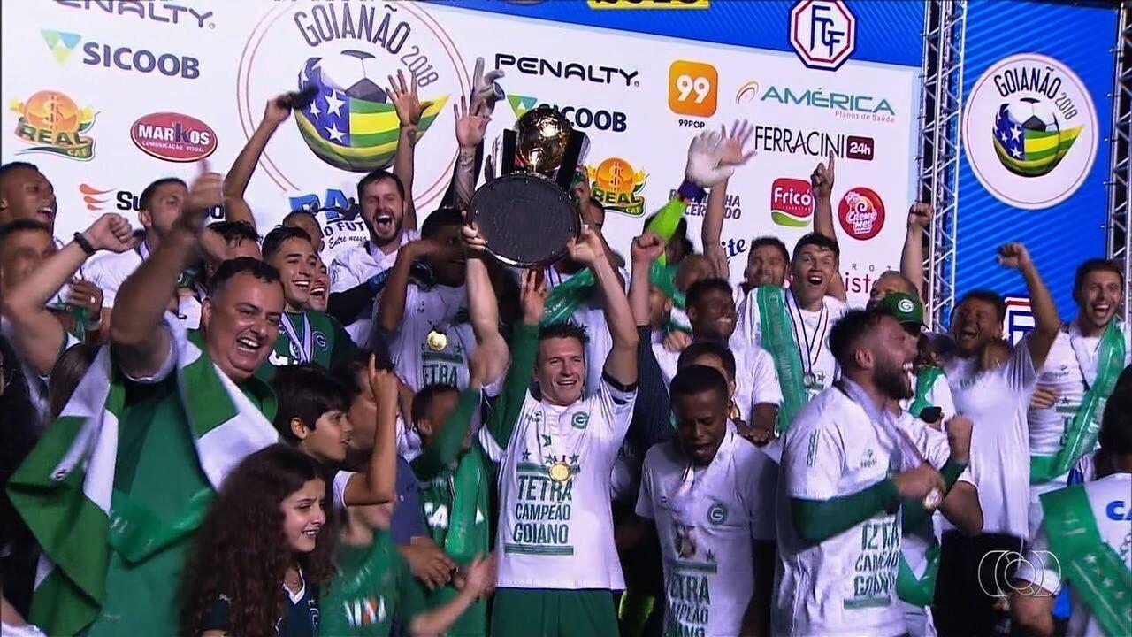 Veja a festa do Goiás após o título
