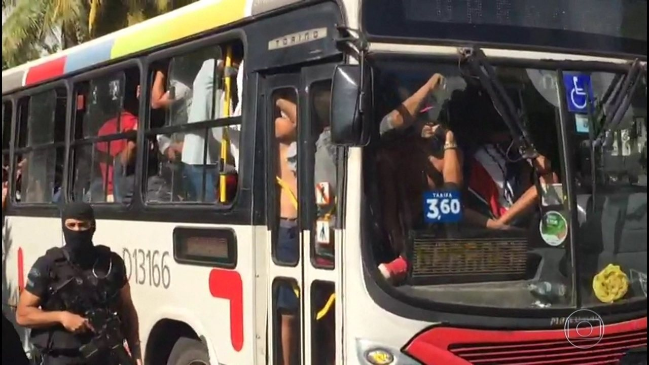 Milicianos presos em operação no Rio de Janeiro são transferidos para  presídios 56f97f55dae05