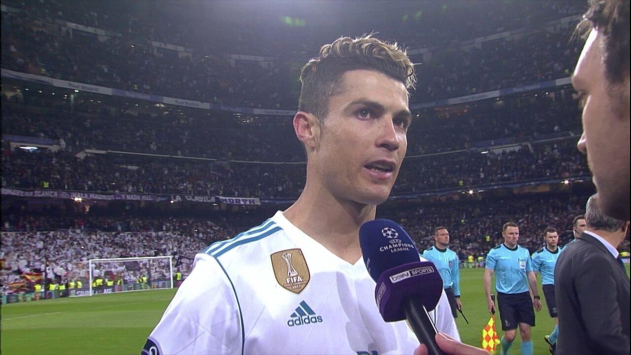Cristiano Ronaldo vê pênalti claro em Vázquez