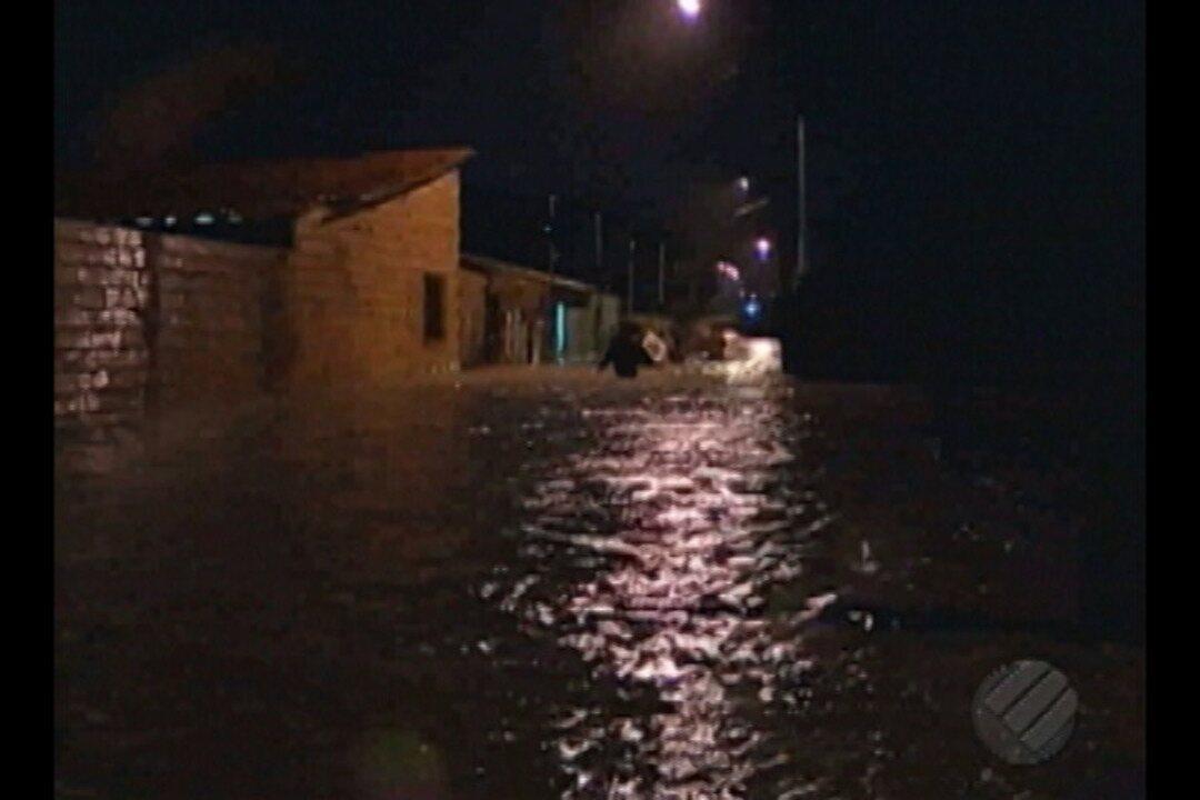 Em Paragominas, chuva forte causa danos na rodovia PA-256 durante a madrugada