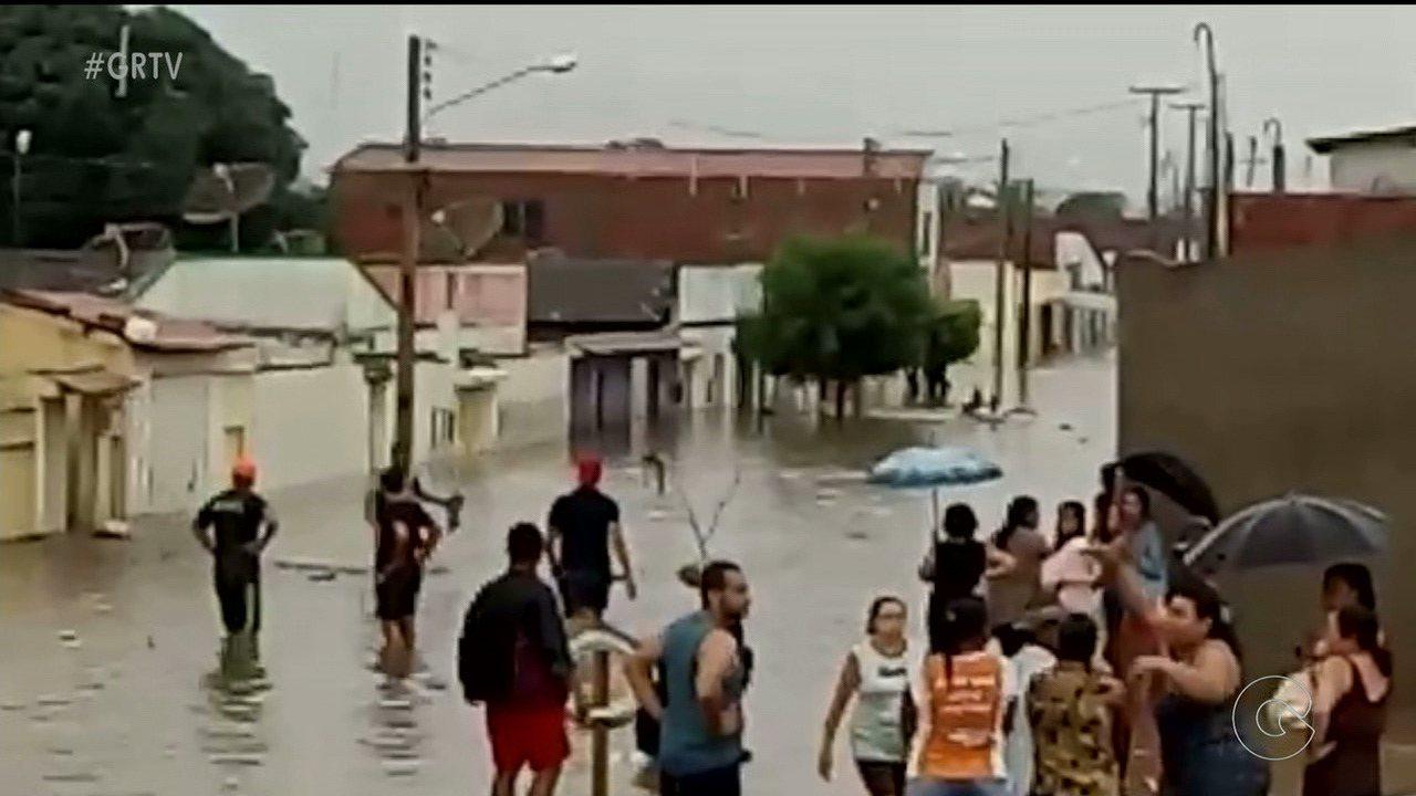 Chuva traz alegrias e também transtornos em municípios do Sertão