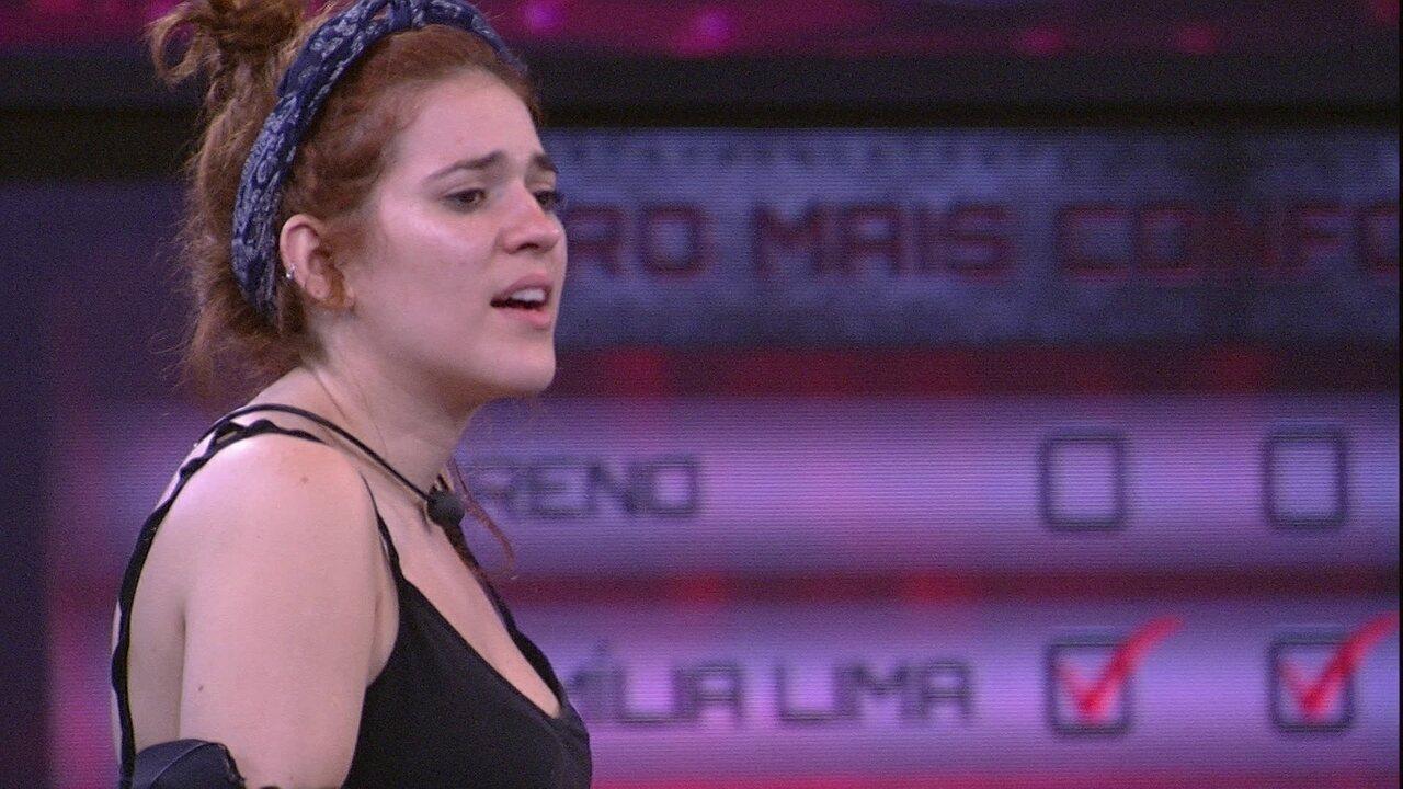 Ana Clara canta 'Lancinho' e Gleici dança