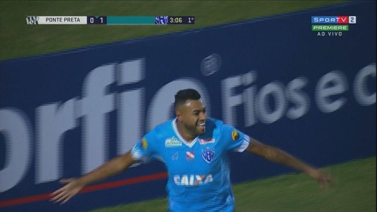 Gol do Paysandu. Cassiano aproveita erro da zaga da Ponte e abre o placar aos três minutos
