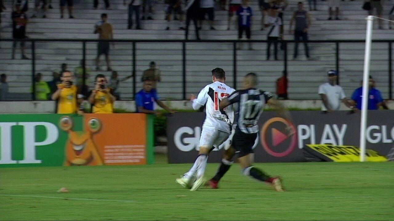 Confira lance do pênalti em cima de Rildo na partida contra Atlético-MG