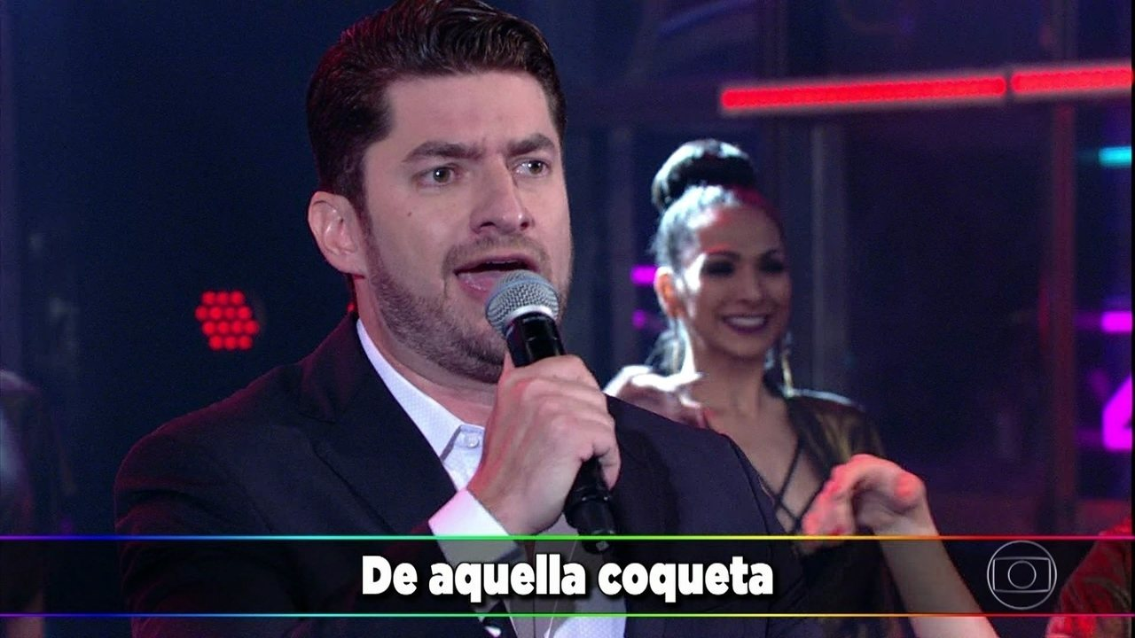 Paulo José Benevides canta um tango à capela