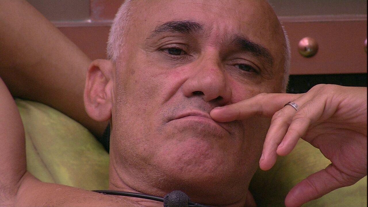 Ayrton prevê Paredão e diz: 'Não quero ir com Gleici e Kaysar'