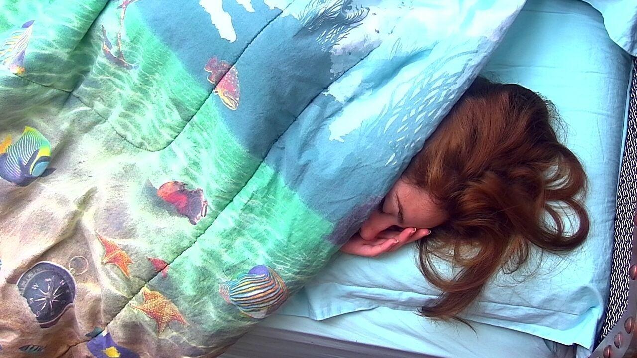 Ana Clara continua dormindo ao som de Djavan