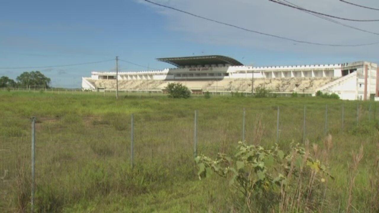 Sem receber jogos, Arena do Juruá sofre com falta de manutenção no interior do Acre